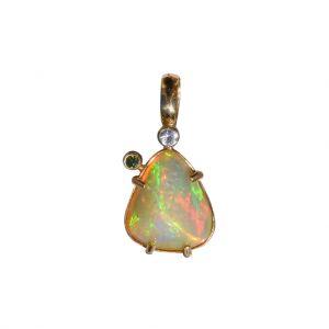 BONA ROCA  Edel Opal Anhänger natürliche Form mit Diamant Gold 585 Fassung OP14-305