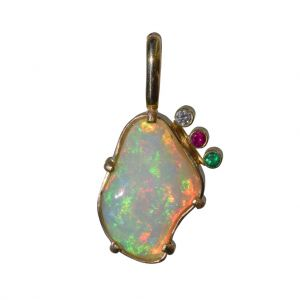 BONA ROCA  Edel Opal Anhänger natürliche Form mit Edelstein Fassung in Gold 585, OP14-307