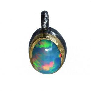 BONA ROCA  Edel Opal Anhänger Charm natürliche Form Fassung 18 Karat Gold mit Silber OP18-503