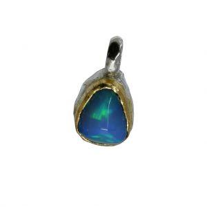 BONA ROCA  Edel Opal Anhänger Charm natürliche Form Fassung 18 Karat Gold mit Sterling Silber OP18-508